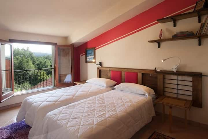 House with 2 bedrooms in Decollatura, with wonderful mountain view, enclosed garden and WiFi - 30 km from the beach