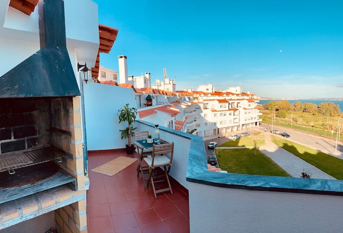 OEIRAS BEACH ROOM with outstanding View