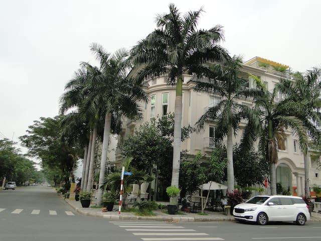the Suites Saigon South - VN - Butik otel
