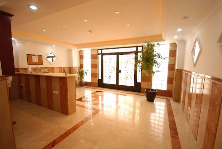 Sehir merkezinde Luxs daire - Serik - Lejlighed