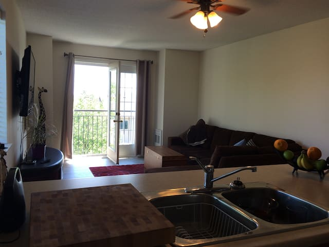 Condo in bowmanville - Bowmanville - Byt