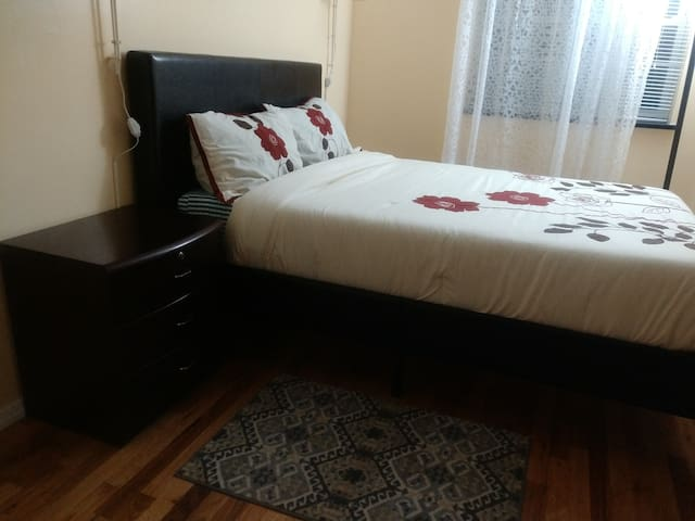 Executive private bedroom - Бруклин - Дом