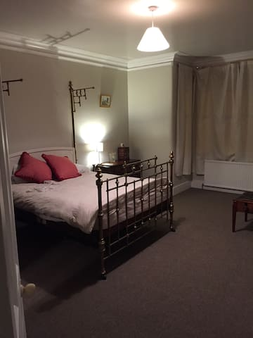 Double room in period property - Bury - Haus