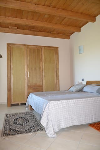 Camera matrimoniale 1/ Bed room 1