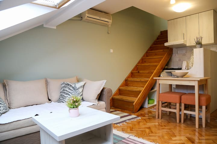 Hann 2 - Cosy, clean and good located!