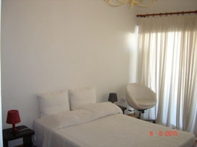 Cosy flat in centre 4 minutes from Larnaca Beach! - Larnaca