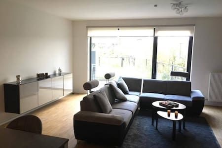 Cosy room for BnB /10mins Airport/20mins centre/ - Evere - Lakás