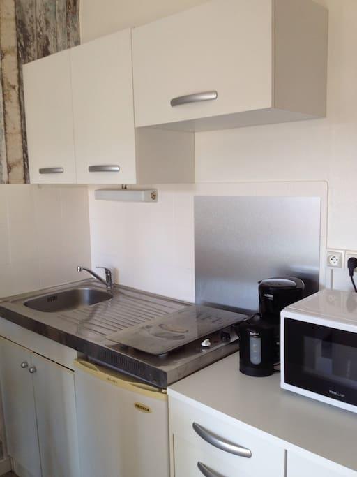 Petit nid c ur de ville balcon et parking flats for - Petit appartement studio allen killcoyne ...