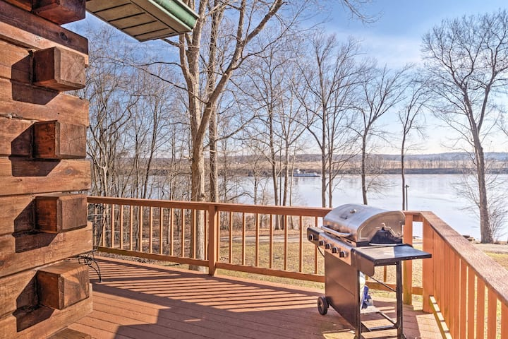 Magnet Cabin w/Hot Tub - Steps to Ohio River!