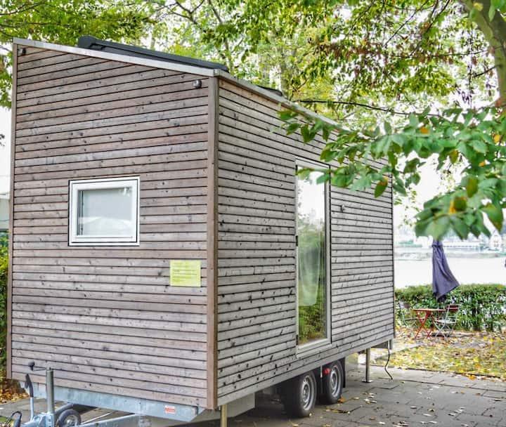 """Tiny Houses """"Baumhaus"""" Wohnen am Rhein"""