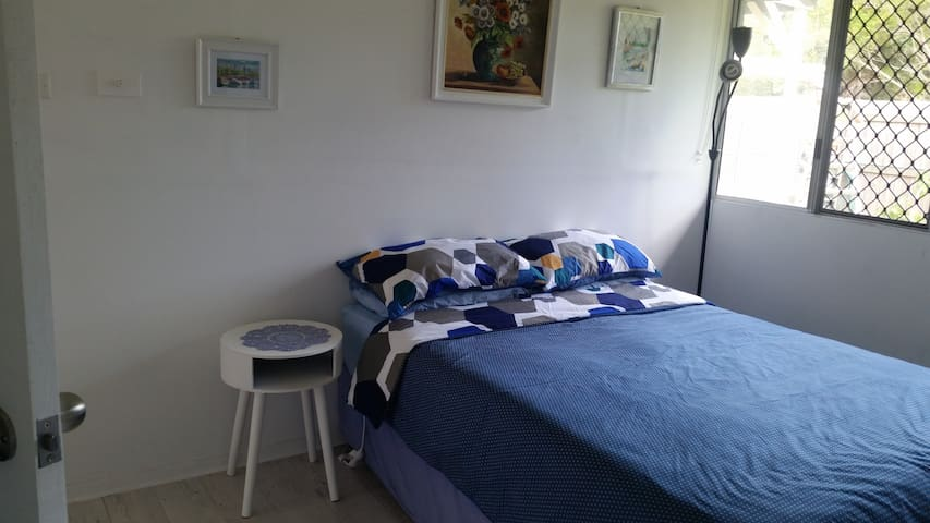 Semi Rural  20 minutes to beach - Landsborough - Penzion (B&B)