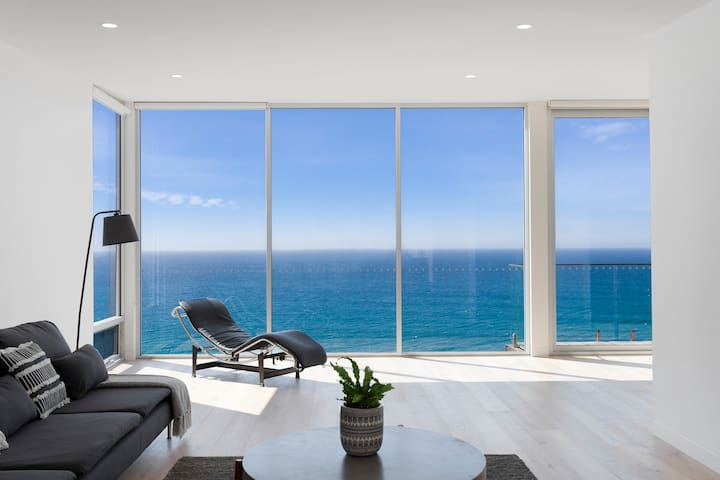 *New* Southpoint -Brand new home, oceanfront views