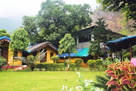 Jashn-e-Zorba (Osho Resort)