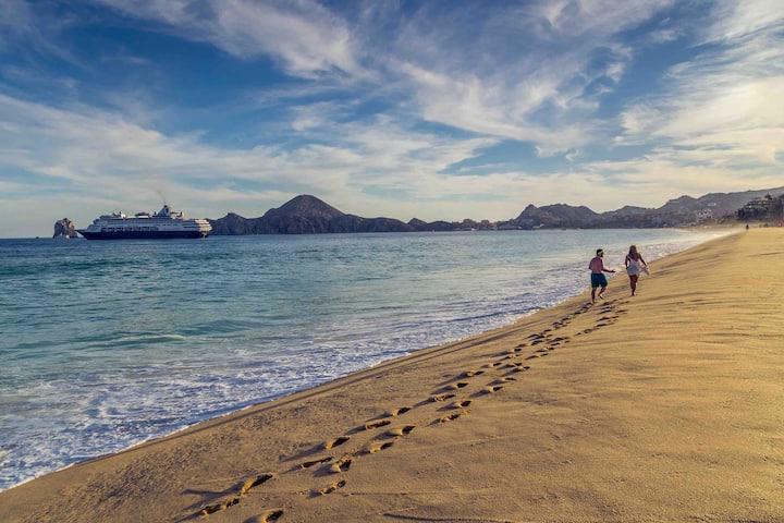 Beautiful condo 5 min walk from the beach /2BD-2BA