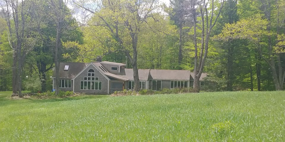 Sur Selva: Secluded home at foot of Mt Monadnock
