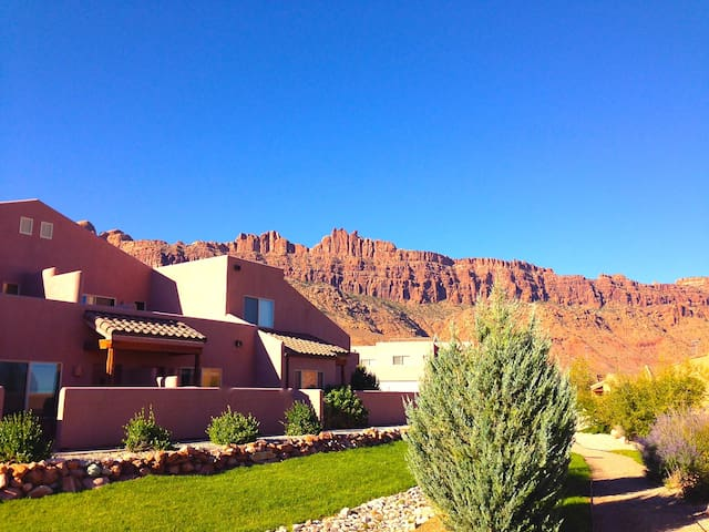 Cheerful Desert Retreat - Moab - Maison de ville