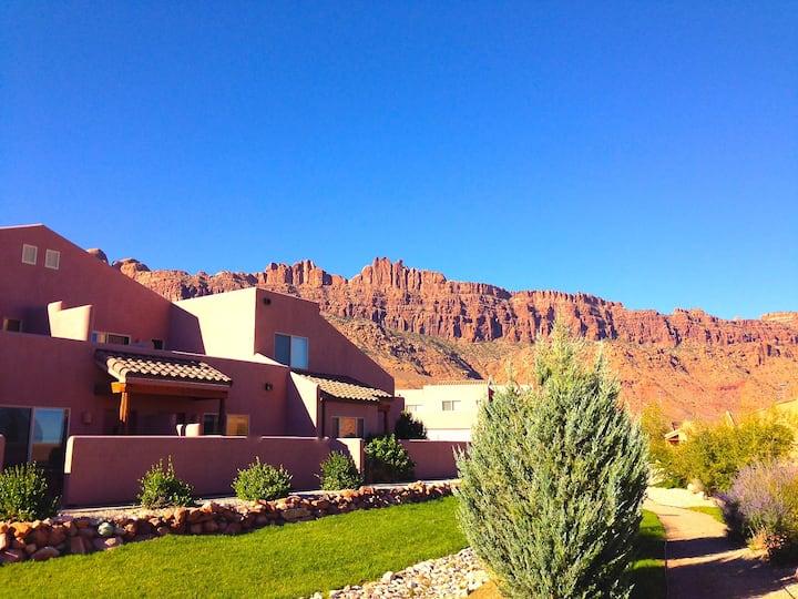 Cheerful Desert Retreat