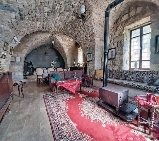 Maasser el Chouf N House