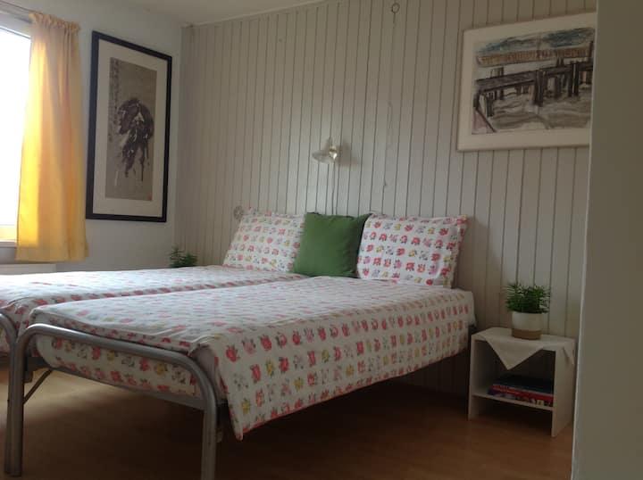 Leeuwarden: quiet budget room / rustige privékamer