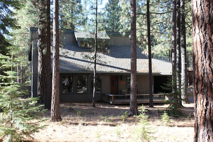 Cabin in the Pines at Black Butte Ranch, Oregon