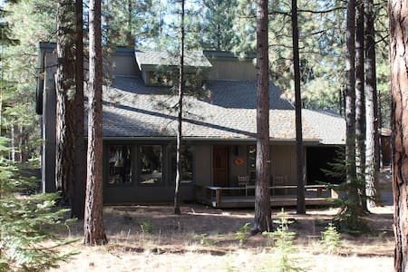 Cabin in the Pines at Black Butte Ranch, Oregon - Sisters - Rumah