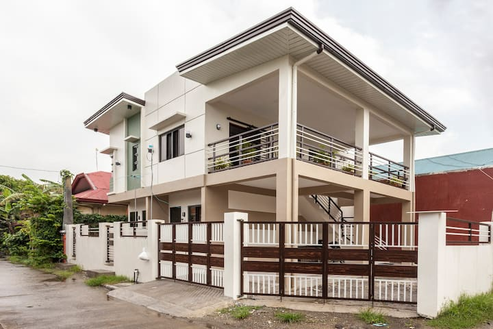 Newly built cozy home with excellent privacy.
