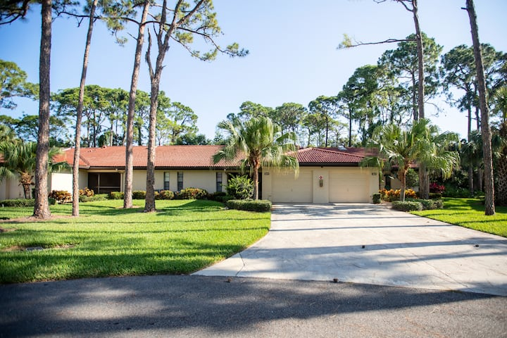"Villa, just remodeled, TV 65"",13 min to Siesta Key"
