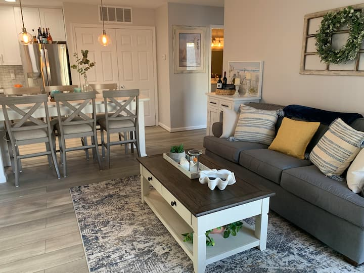 Gorgeous All Updated Ocean City Condo w/Courtyard