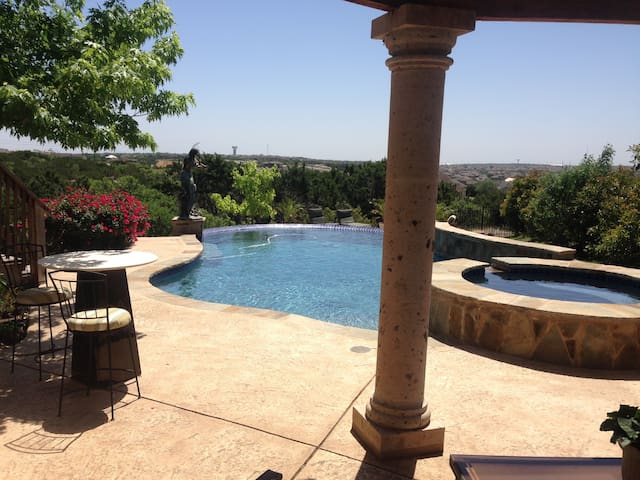 Gorgeous space, Hill Country views, NW of Austin - Leander - Hus