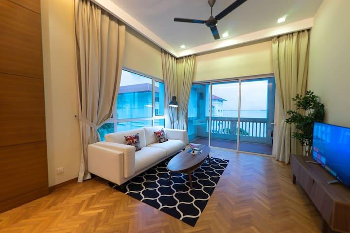 Contemporary Design 1 Bedroom Suite @ Straits Quay