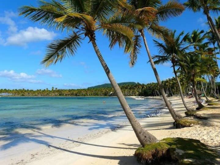 Ocean Front Villa – La Playita
