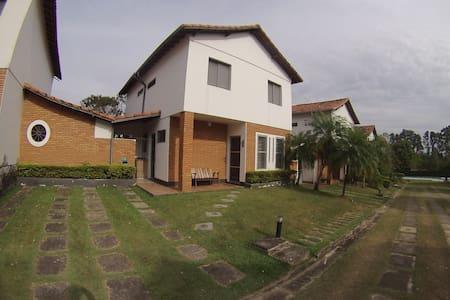 Casa em Águas de São Pedro - São Pedro