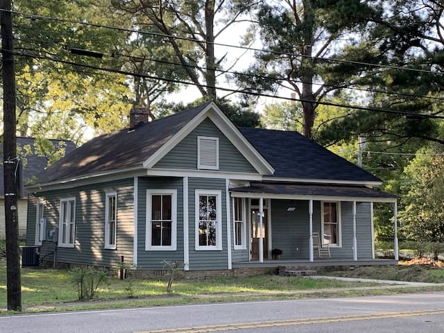 Newly Renovated Historic Mill Village Cottage