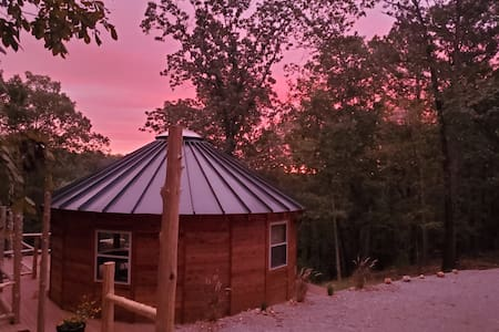Eureka Yurts & Cabins - White Oak Yurt w/ hot tub