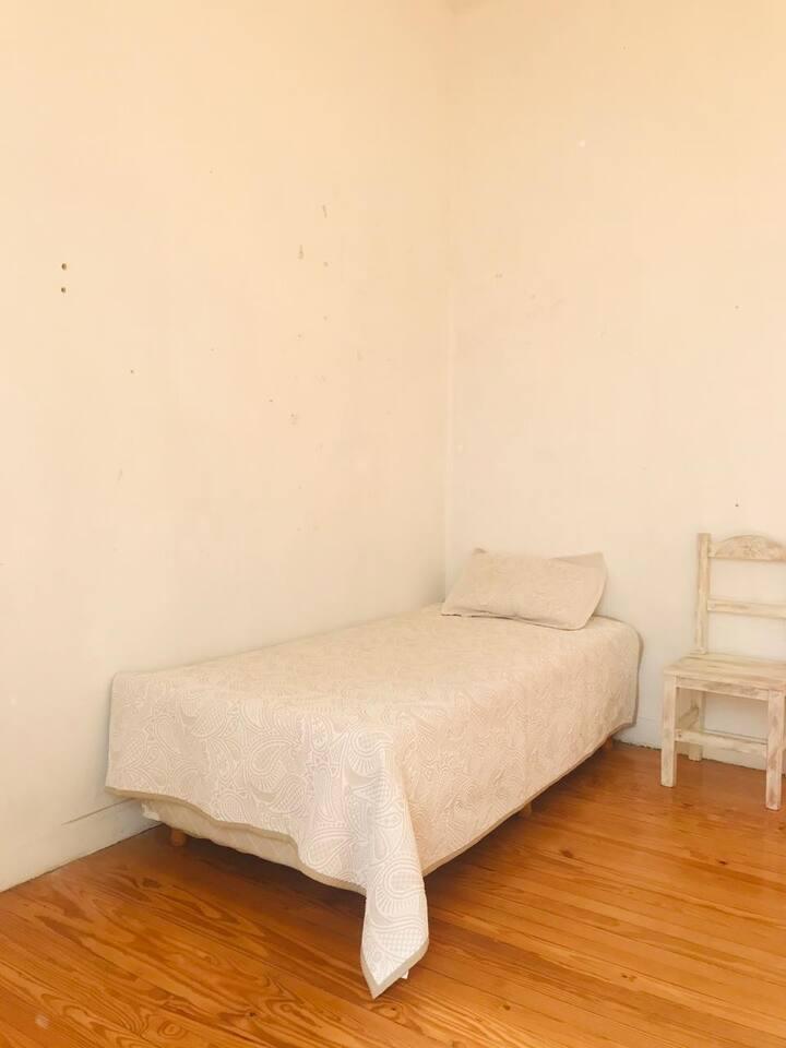 Casa con habitacion compartida, ambiente agradable