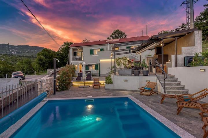Villa Leti with pool