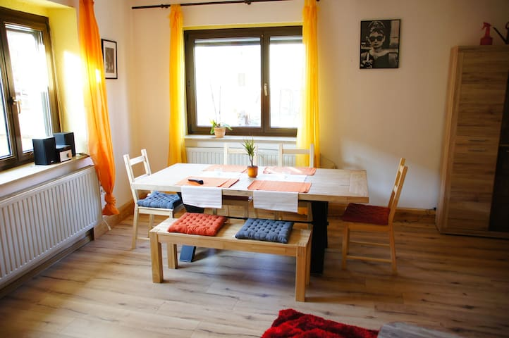 family friendly 1000ft-flat, countryside, calm - Kleinschwabhausen - Apartamento