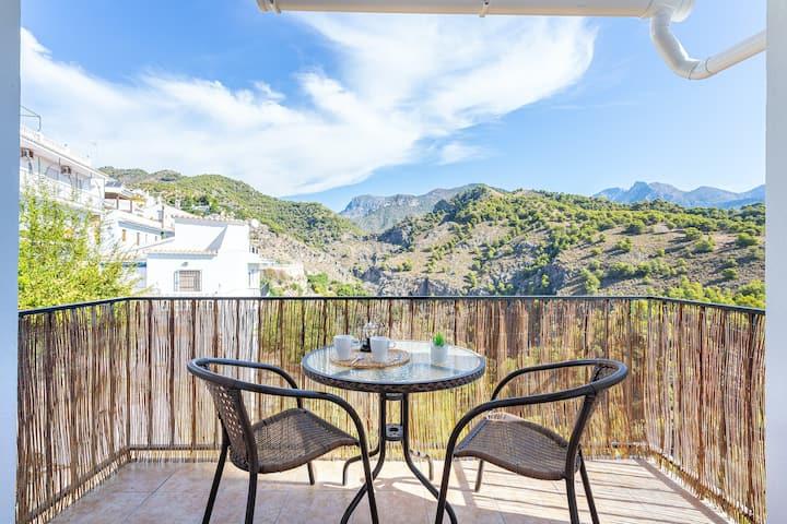 Stylish condo in the hills w/ stunning views, full kitchen, & free WiFi!