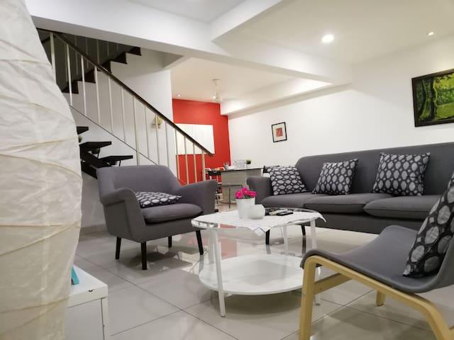 *HOUSE 27*OUG, Bukit Jalil, TBS, Midvally