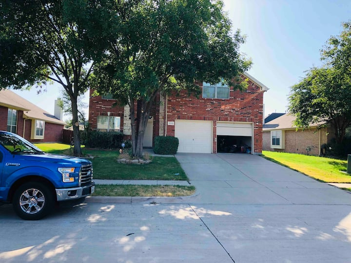 Beautiful Private Room /Grand Prairie/ Only Female