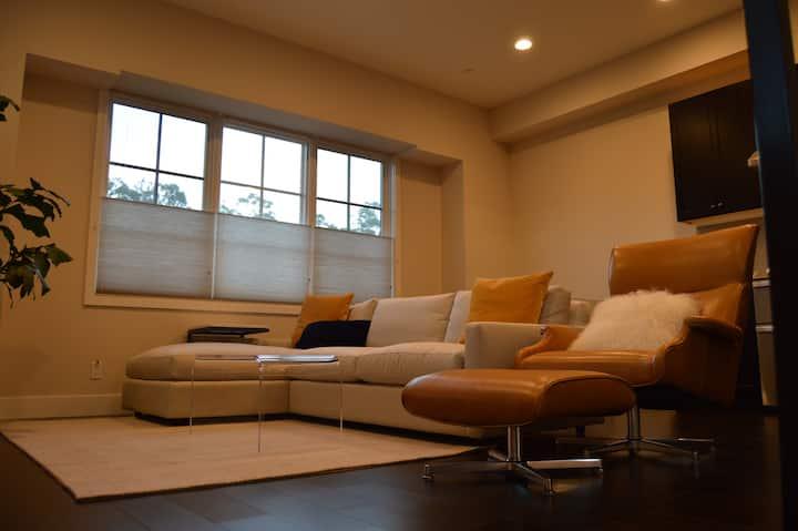 Newly Built Home! Biz Ready + Centrally Located