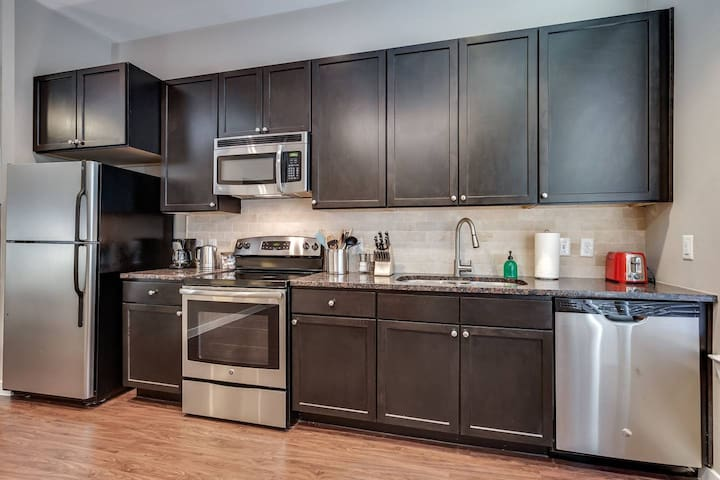 Kasa | Houston | Stylish Studio Apartment