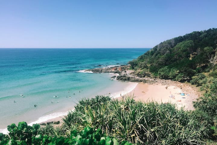 Heart of Coolum, 40m to the sand. Car optional :) - Coolum Beach - Apartmen