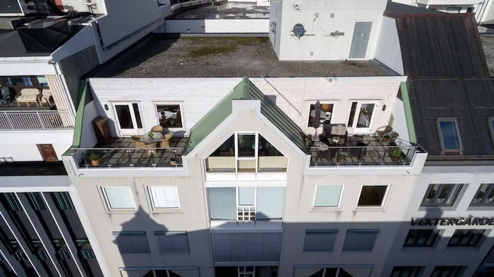 Spacious top floor apartment in downtown Aalesund!