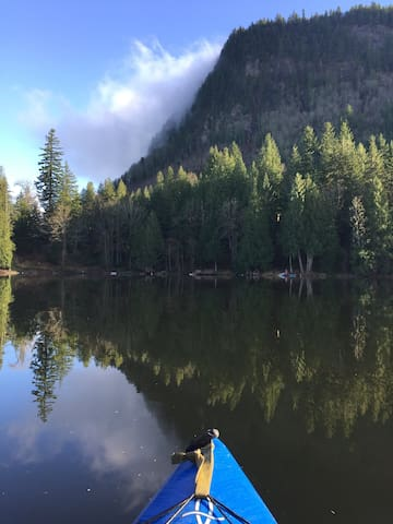 Iconic Mt Enumclaw, view from kayak