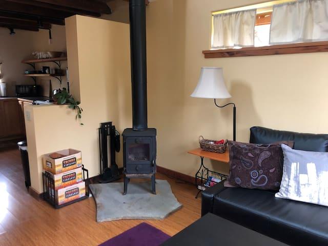 Cozy House w/ Wood Burning Stove - NE Portland