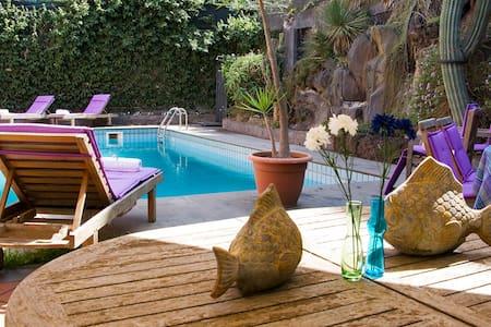 Pool, dowtown, refined villa - Viagrande - Villa