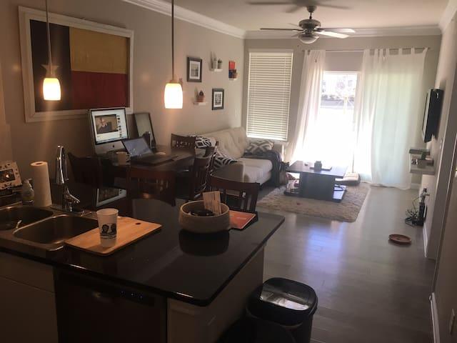 The Mansions McKinney Apartment - McKinney - Departamento