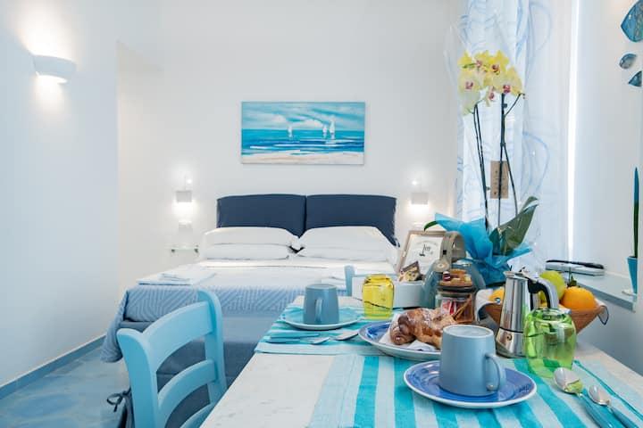 Una Finestra sul Mare- Appartamento Blu di Persia-