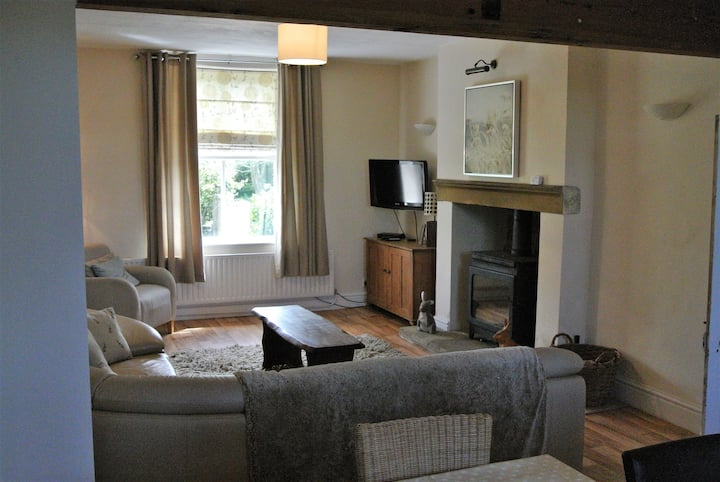 Coars Farm Cottage, Dales, large rural house 4 bed